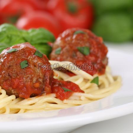 italian food spaghetti with mince balls
