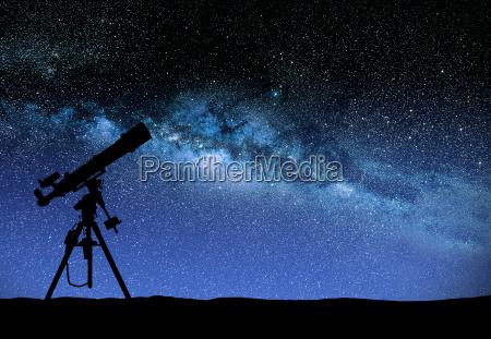 teleskop beobachtete die wilky weg