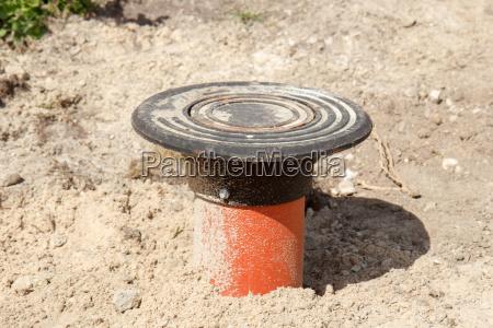 abwasserrohr in der baustelle strasse