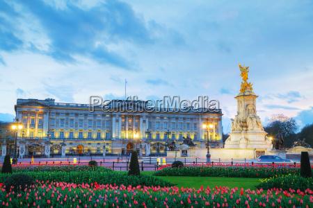 buckingham palace in london grossbritannien