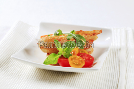 chicken meat and crispy bread