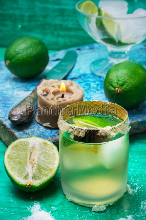 refreshing cocktail made of rum and