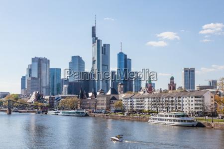 frankfurt skyline und den main frankfurt