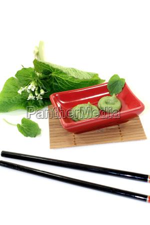 wasabi mit blatt und bluete