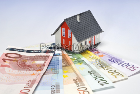house and banknotes