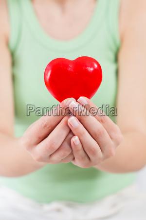 rote herz form gesundheit liebe unterstuetzung