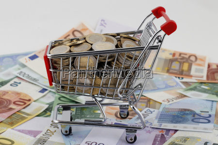 euro geld in muenzen und scheinen