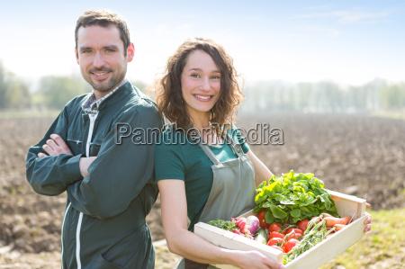 farmer team bei der arbeit in