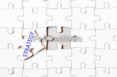 fehlende puzzle stueck mit wort strategie