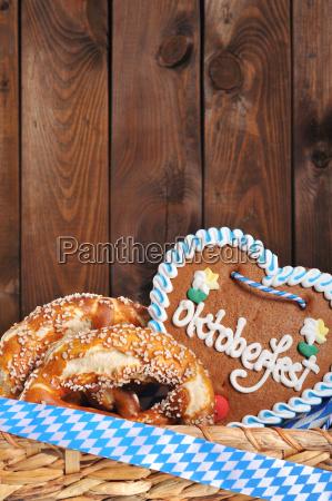 bavarian oktoberfest corazon de jengibre