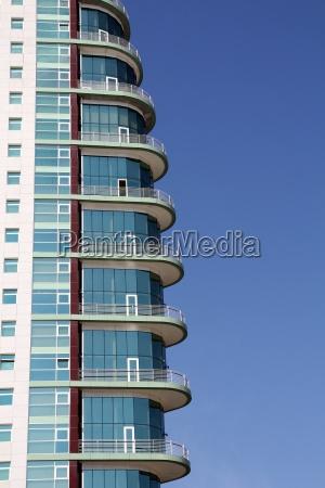 moderne architektur in lissabon portugal