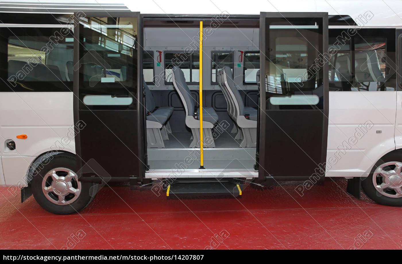 Lizenzfreies Bild 14207807 - kleinbus tür