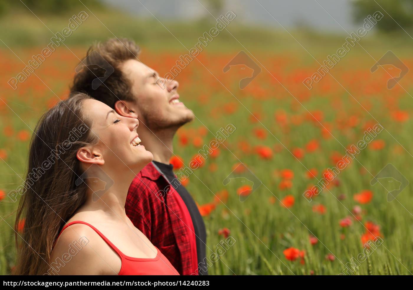 glückliches, paar, frische, luft, atmet, in - 14240283