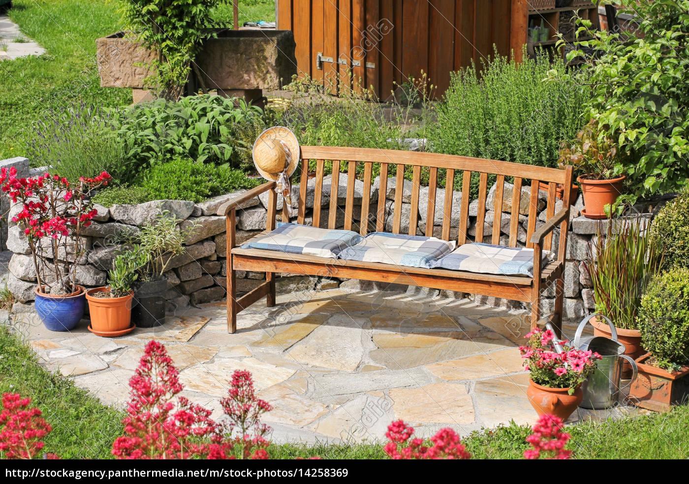 Künstlerisch Sitzplatz Garten Foto Von Lizenzfreies Bild 14258369 - Im