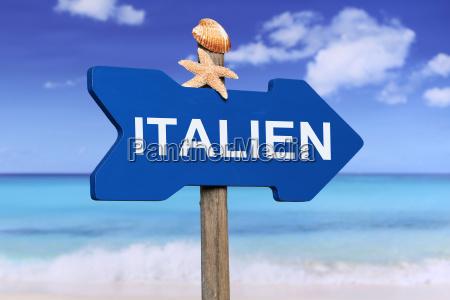 italien mit strand und meer in