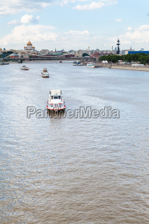 excursion boats in moskva river moscow