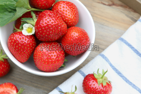 strawberries in a bowl top view