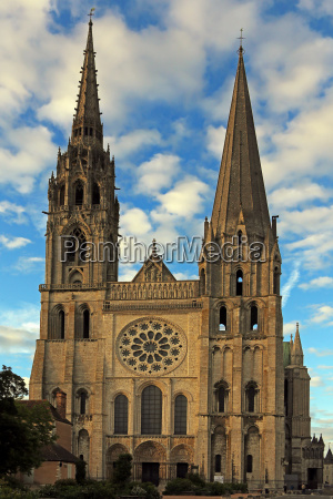 west view cathedrale de chartres in