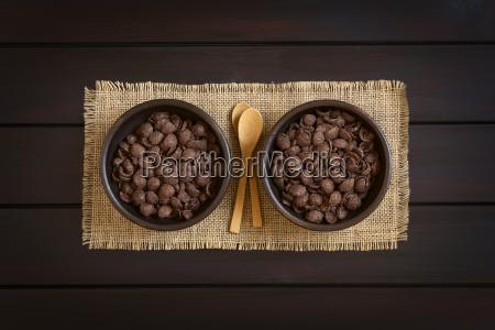 chocolate corn flakes breakfast cereal