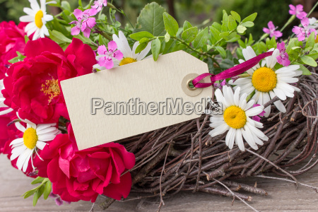 wreath, with, red, roses, and, daisies - 14360025