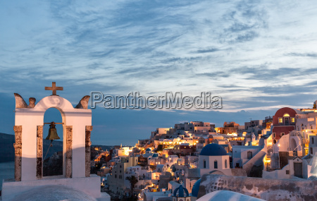 oia in the evening