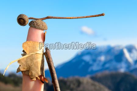 finger fernweh reiselust bergwandern eichel wanderlust