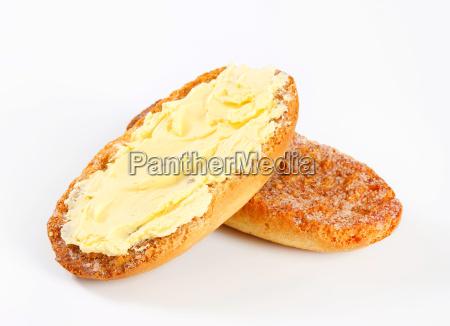 melba toast mit butter