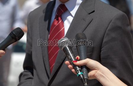 medien interview broadcast journalismus
