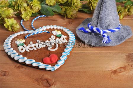 bavarian gingerbread heart with trachtenhut