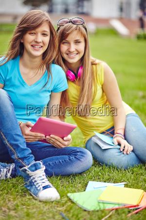 moderne teenager maedchen