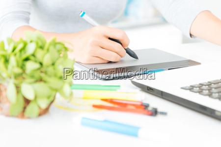 nahaufnahme designer grafik tablet design auf