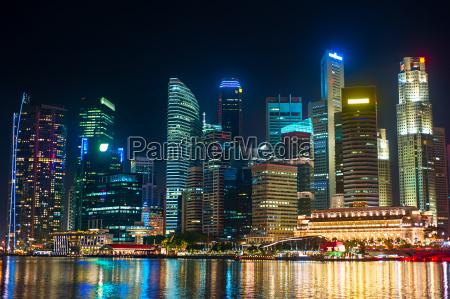 nachtansicht von singapur downtown