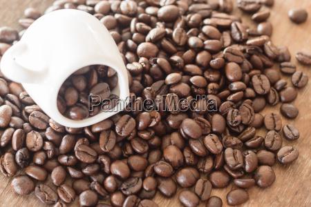 kaffee auf grunge holzhintergrund