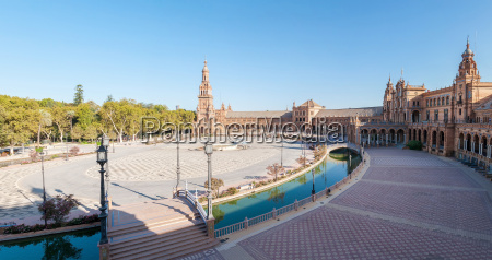 panoramic view of the plaza de