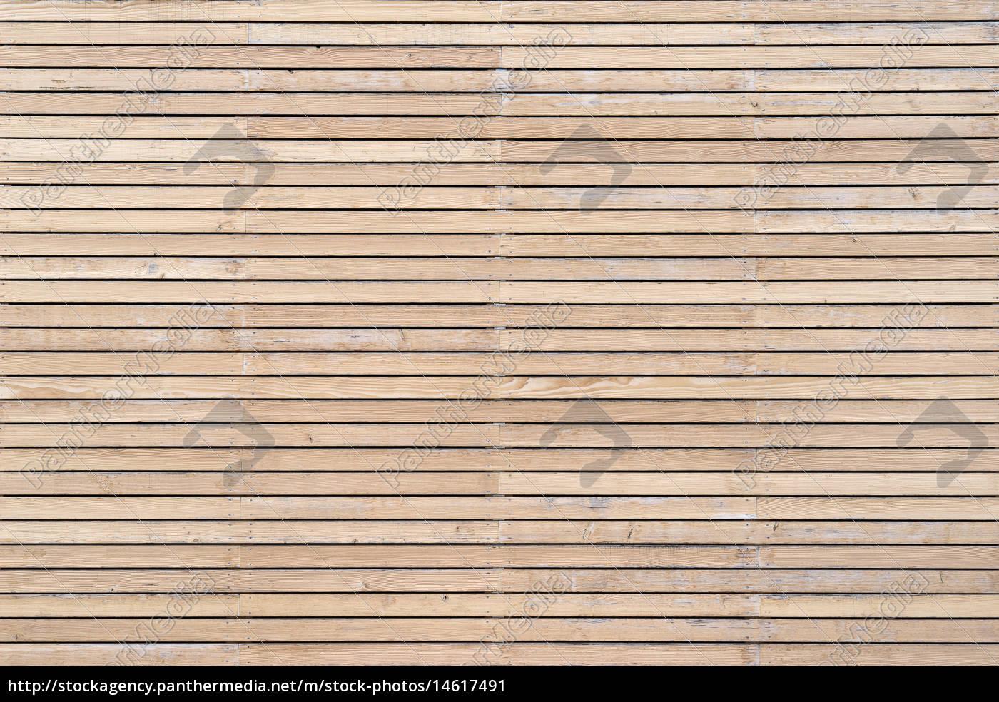 helle leicht verwitterte holzfassade mit horizontaler stockfoto 14617491 bildagentur. Black Bedroom Furniture Sets. Home Design Ideas