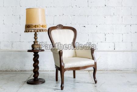 weiß, retro, stuhl, mit, lampe - 14628537