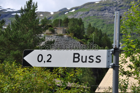 hinweisschild autobus norwegen