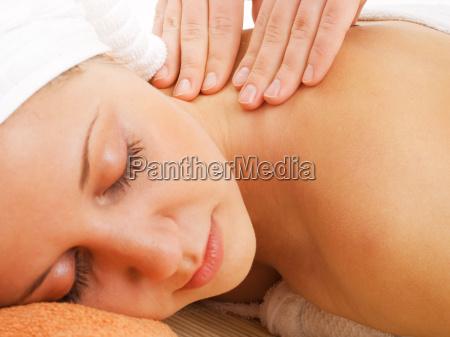 frau die massage frau die massage
