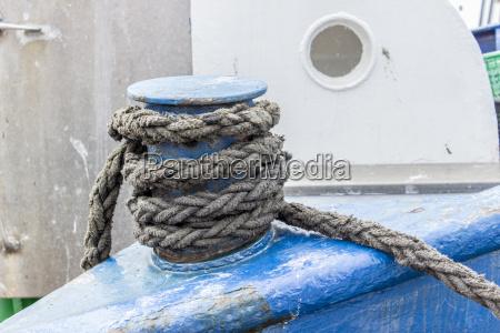 gray ship ropes on boat