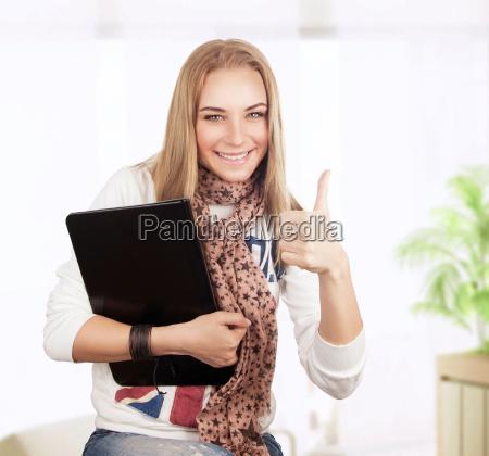 glückliches, studenten-mädchen - 14711251