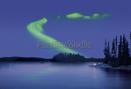 the northern lights in the night