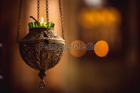 symbol lampe in der kirche