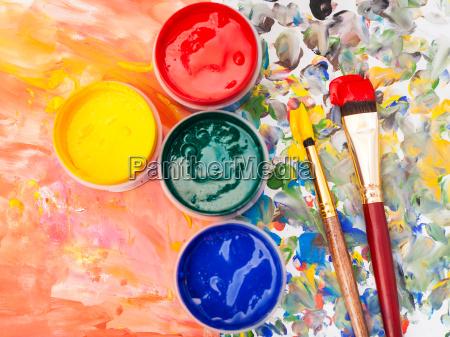 stillleben aquarellpalaeste farbe pinsel