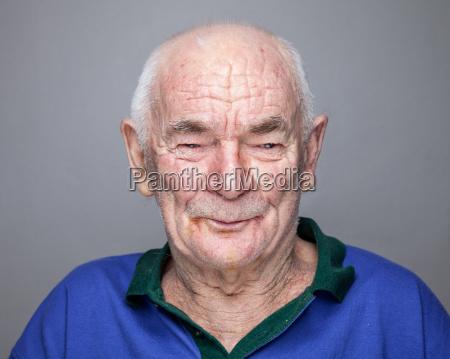 portrait eines aelteren mannes