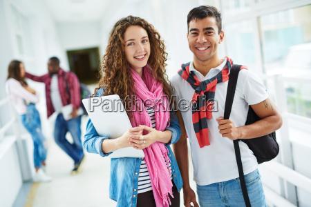 tipo estudio risilla sonrisas con exito