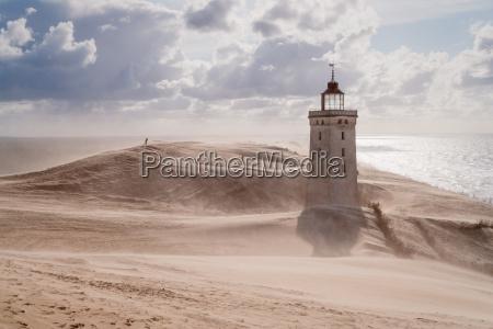 sandsturm am leuchtturm