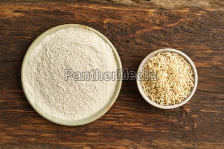 full grain rice and rice flour