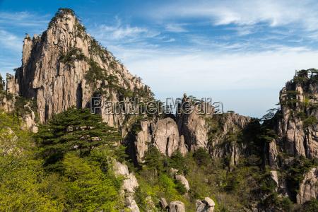 landschaftsaufnahme in den huangshan bergen in