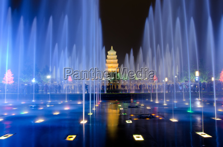 musical fountain show vor der grosse