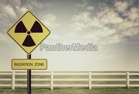 strahlung unterschreiben radioaktiv radioaktivitaet nuklear piktogramm